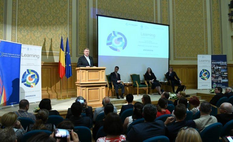Klaus Iohannis: Analfabetismul funcţional se reflectă foarte vizibil şi în înaltele sfere ale politicii româneşti. Ne îndepărtăm de obiectivul Europa 2020 sau 20-20, cum se spune mai nou