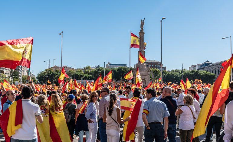 Mii de persoane demonstrează la Madrid pentru unitatea Spaniei