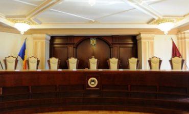 """Judecătorii Curții Constituționale, la un pas de """"superimunitate"""""""