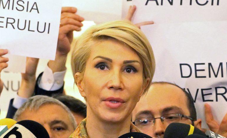 PNL și USR au depus la Parlament moțiunea de cenzură împotriva Guvernului Tudose