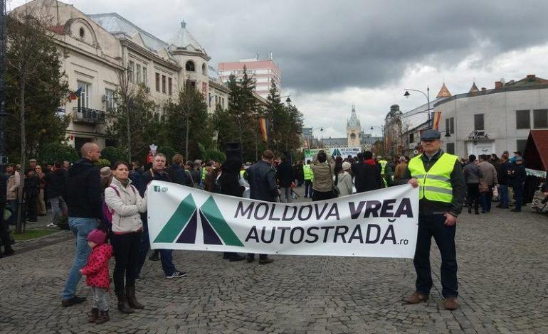 Ieșenii au ieșit în stradă: 2.000 de oameni cer autostrada Ungheni-Iași-Târgu Mureș