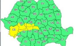 Vreme rea și cod galben de viscol la munte în minivacanța de 1 decembrie