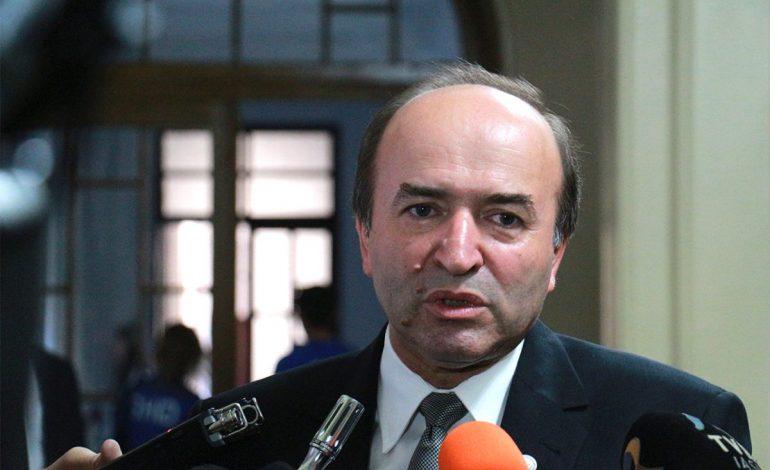 Tudorel Toader, nemulțumit de dezbaterile de la Strasbourg: S-a discutat într-o manieră absolut politicianistă