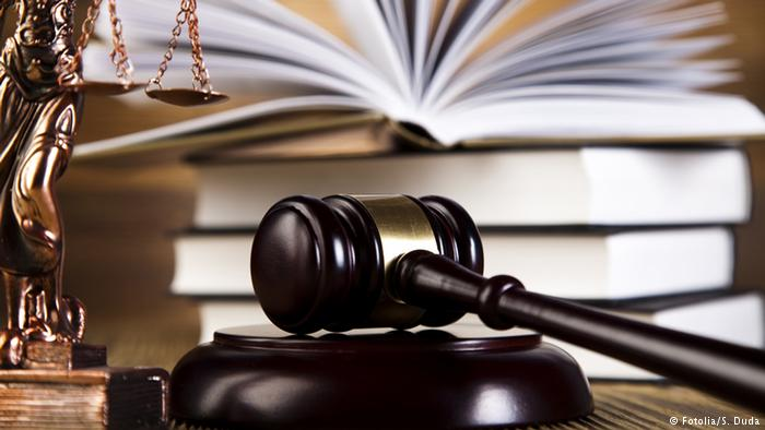 Judecătoarea Elena Burlan-Puşcaş de la Tribunalul Bucureşti, acuzată că a primit mită 50.000 de euro, plasată în arest la domiciliu
