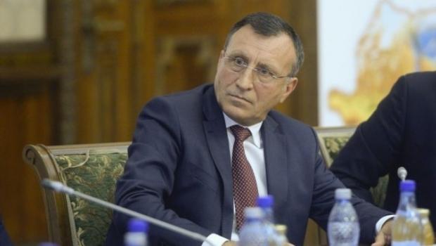 """Vicepremierul Paul Stănescu susține că Lucian Pahonţu i-a transmis printr-un """"prieten"""" că preşedintele PSD, Liviu Dragnea, va fi """"executat"""" până în martie"""
