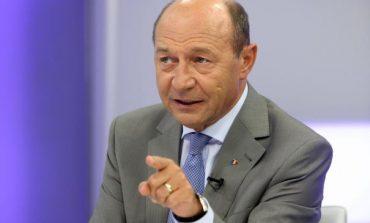 Traian Băsescu: România, stat membru NATO şi UE, se află la mâna şi mintea unui psihopat incult, dar avid de putere