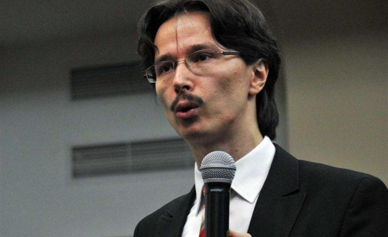 Cristi Danileț: Sincer, nu ştiu ce puteri mai păstrează de acum preşedintele ţării