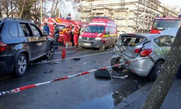 UPDATE Şoferul care a provocat accidentul din centrul Capitalei a fost reținut pentru tentativă de omor
