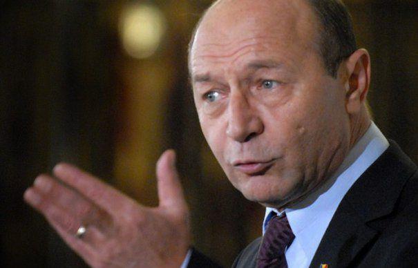 Traian Băsescu, despre Elena Udrea: Un om hăituit are dreptul să se apere prin toate mijloacele