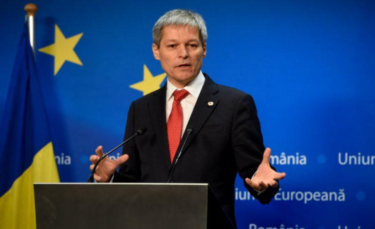 Cioloş: Preşedintele trebuie să rişte orice din punct de vedere politic pentru a apăra Constituţia