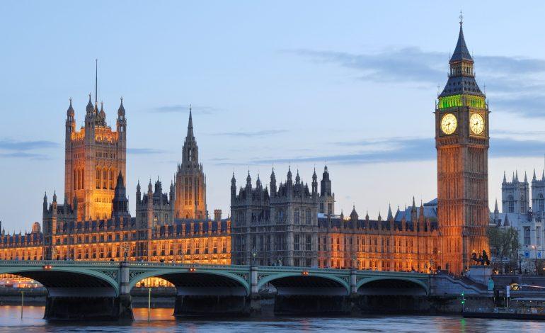 Londra expulzează 23 de diplomaţi ruşi în cazul Skripal și suspendă contactele bilaterale cu Rusia