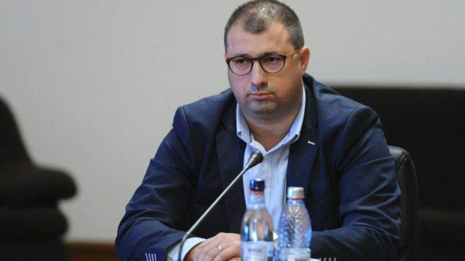 """Daniel Dragomir susține că a furnizat Comisiei de Control a SRI o listă cu 19 persoane din media care """"au întreţinut relaţii neetice cu ofiţeri din cadrul instituţiilor de forţă"""""""