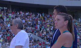 VIDEO Simona Halep şi-a prezentat trofeul de la Roland Garros pe Arena Naţională. Gabriela Firea, huiduită din tribune