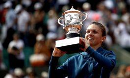 Simona Halep, la sosirea în țară, după victoria de la Roland Garros: Acest trofeu este al meu, dar și al României